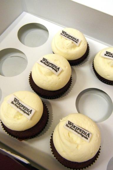 cupcakes-617720_1920