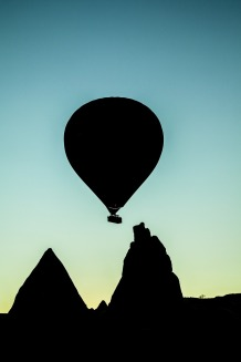 hot-air-balloon-1082203_1280